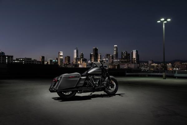 Nueva-Harley-Davidson-Road-King-Special-2017-10