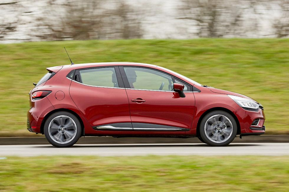Comparativa: Citroën C3 vs Peugeot 208 y Renault Clio