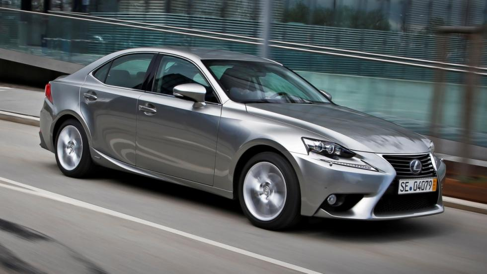 Cinco virtudes y un defecto Lexus IS 300h