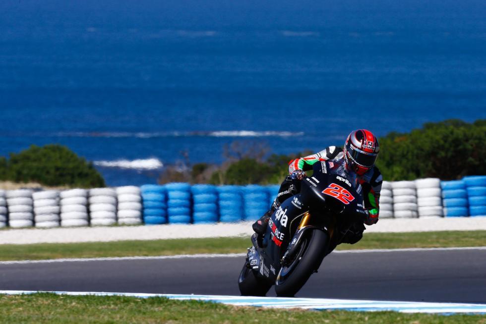 Test-MotoGP-Australia-2017-18