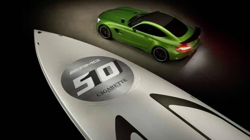 Cigarette Marauder 50 Mercedes-AMG GT R detalle