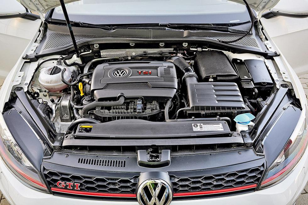 Cara a cara: Peugeot 308 GTi vs Volkswagen Golf GTI