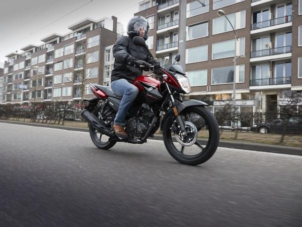 Nueva-Yamaha-YS125-8