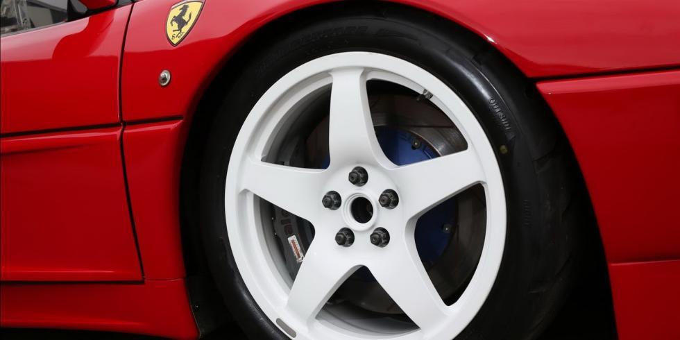 Ferrari 348 LM 1992 rueda