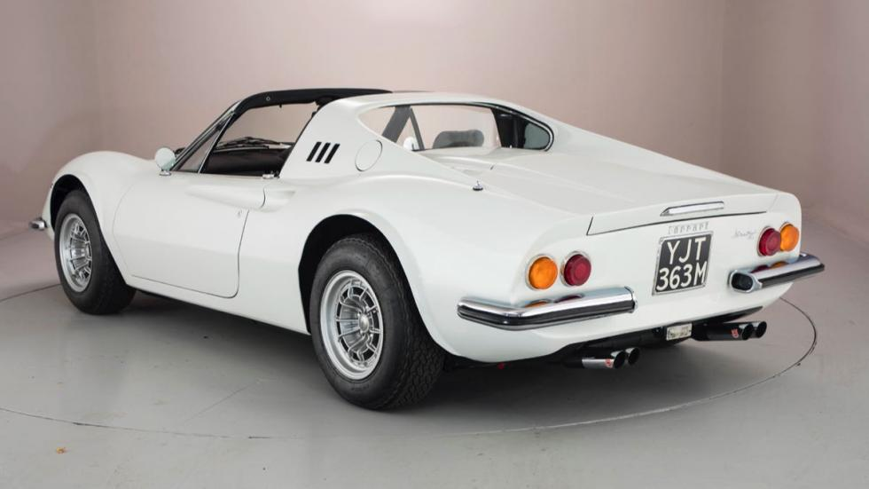 Ferrari Dino 1974 tres cuartos