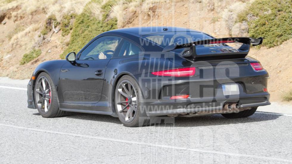 Porsche 911 GT3 2017 fotos espía trasera