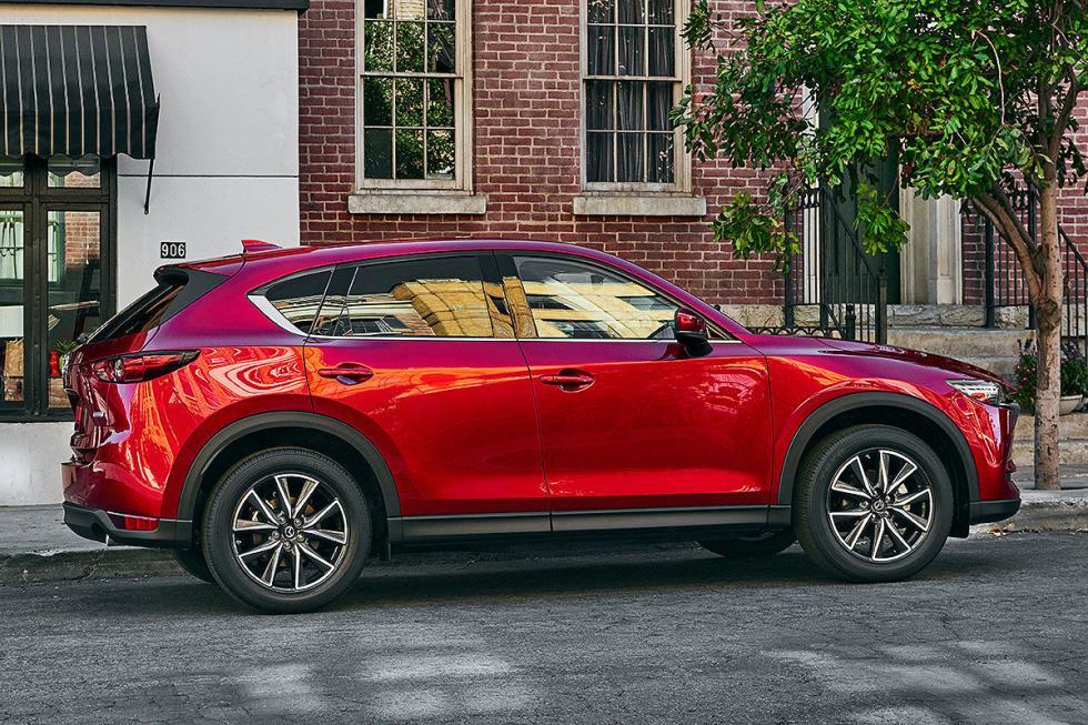 La segunda generación del Mazda CX-5 hará su puesta de largo europea.