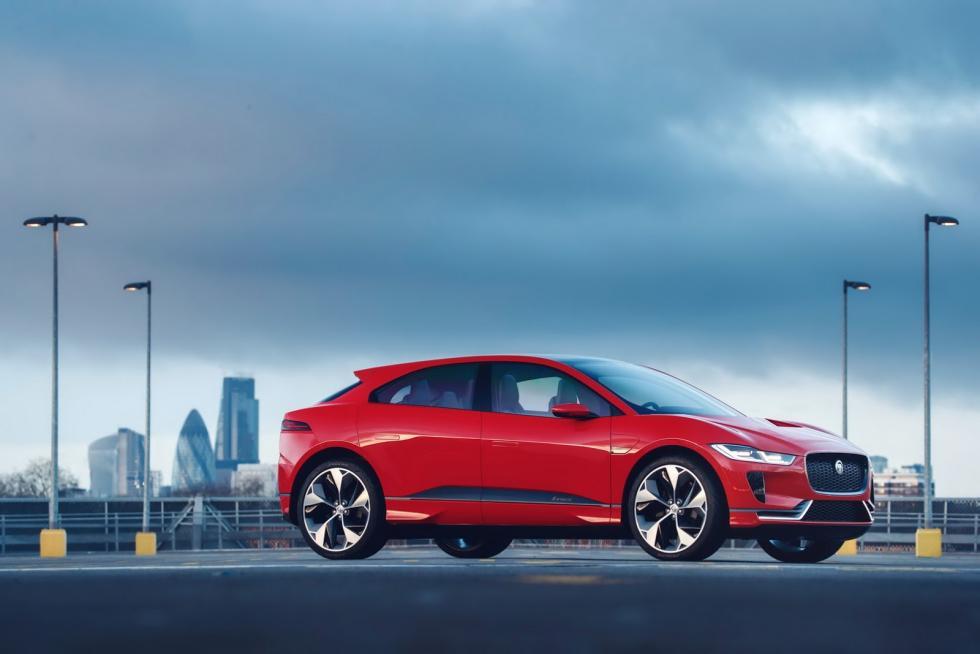 Jaguar I-PACE Concept de rojo