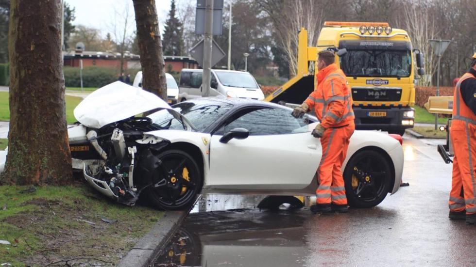 accidente Ferrari 458 Italia Ámsterdam grúa