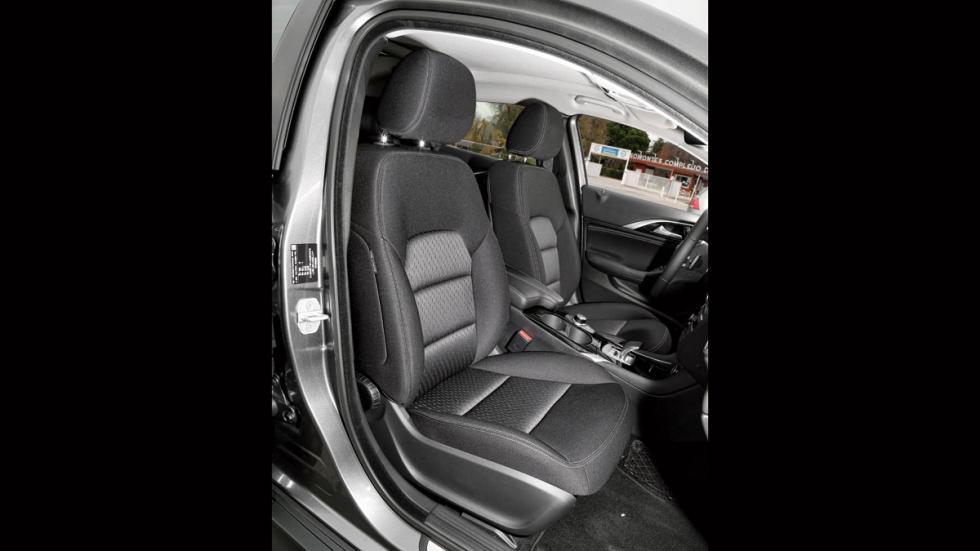 Infiniti QX30 asientos