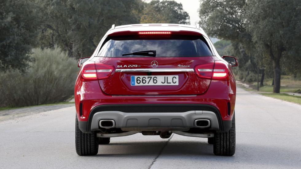 Mercedes GLA trasera