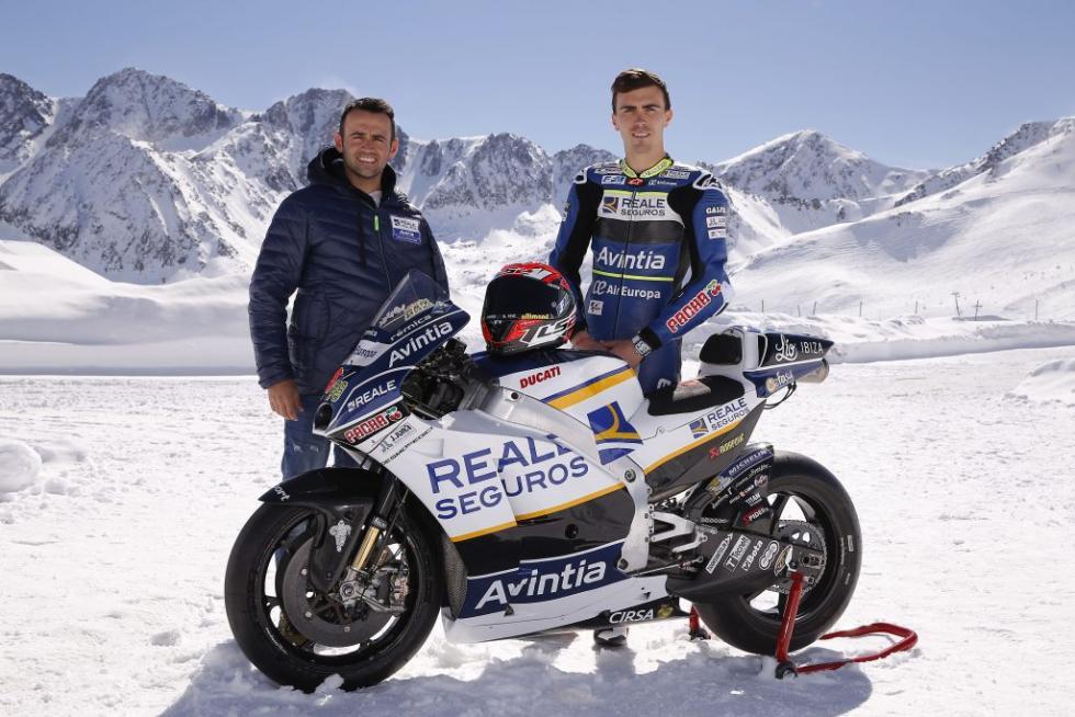 Presentacion-Reale-Avintia-Racing-2017-1