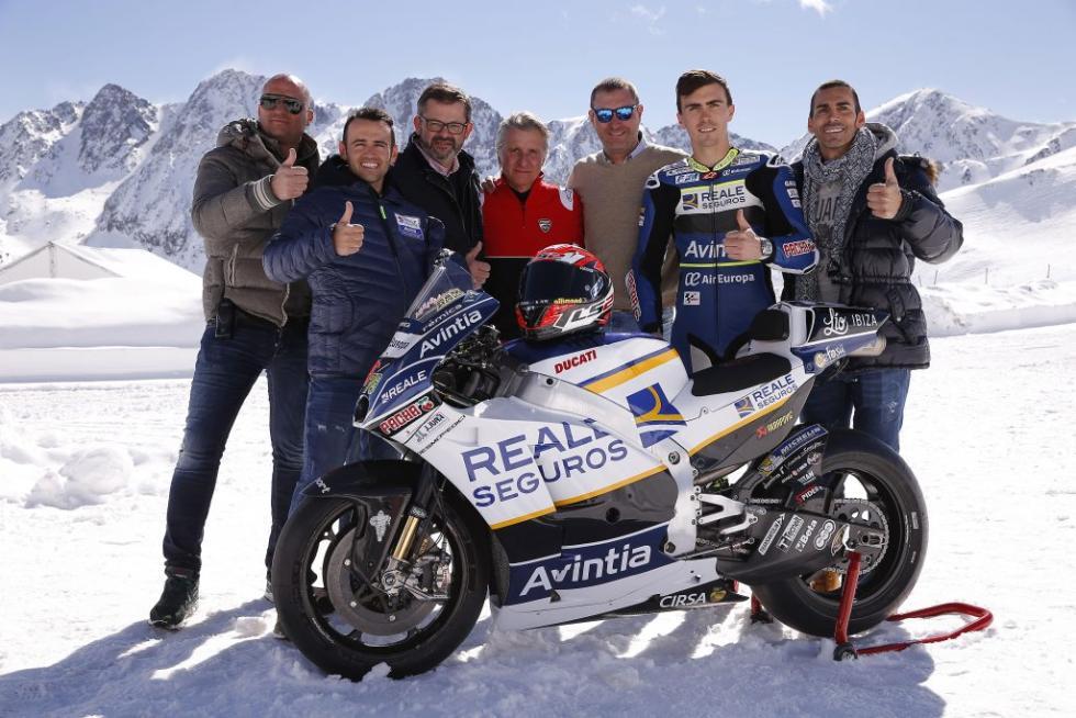 Presentacion-Reale-Avintia-Racing-2017-3
