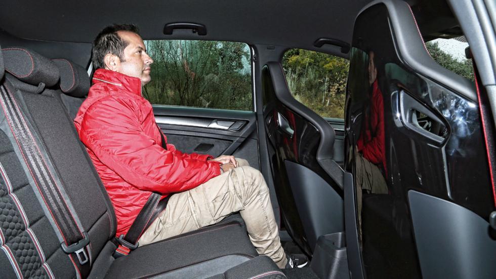 Volkswagen Golf GTI Clubsport asientos traseros