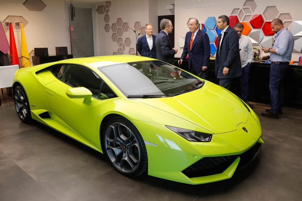 Don Juan Carlos I visita Lamborghini