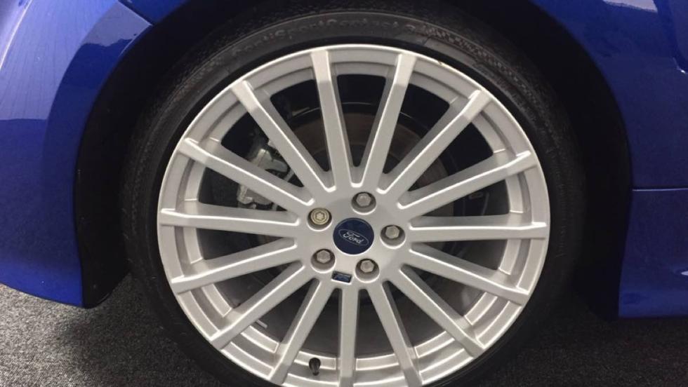 Ford Focus RS 2009 rueda