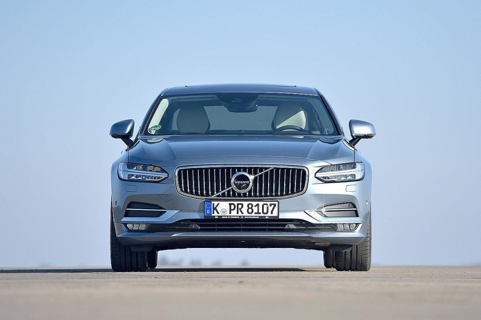 Comparativa: Volvo S90 vs Mercedes Clase E, BMW 5 y Audi A6