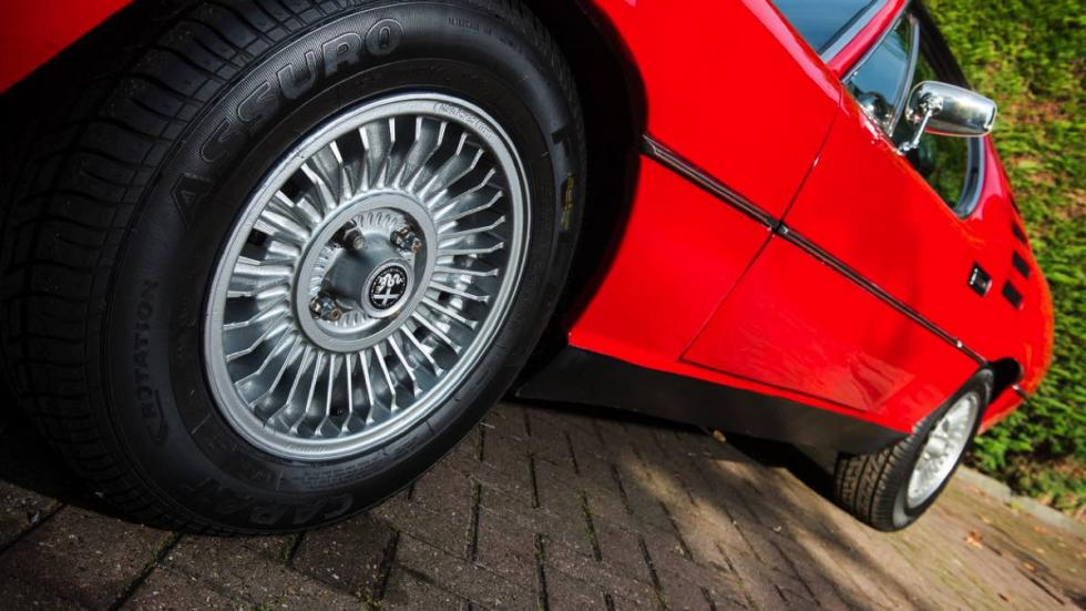 Alfa Romeo Montreal 1972 rueda