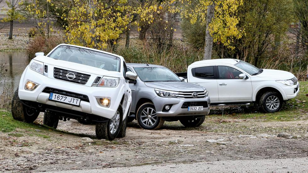 Comparativa pick-up Mitsubishi L200 Nissan Navara NP300 Toyota Hilux delantera