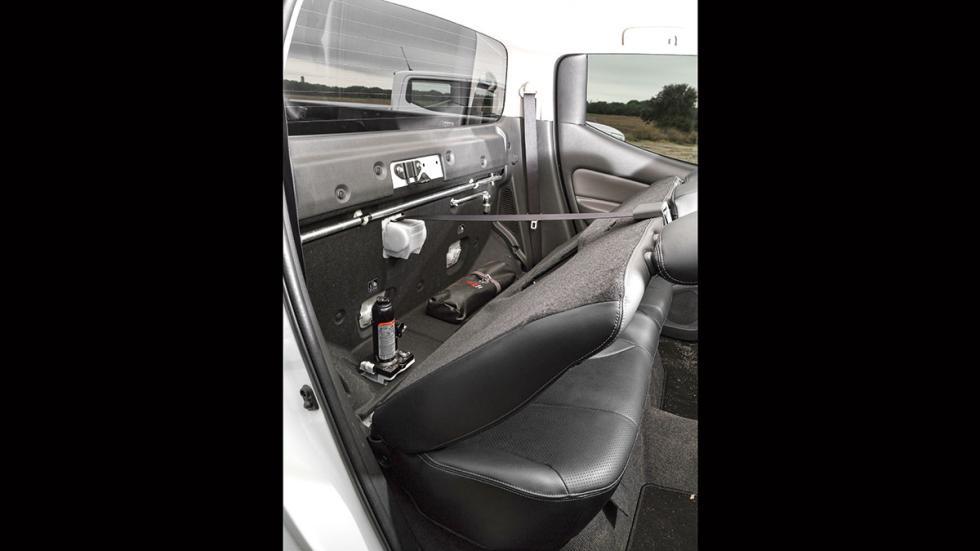 Mitsubishi L200 Double Cab 250 DI-D plazas traseras