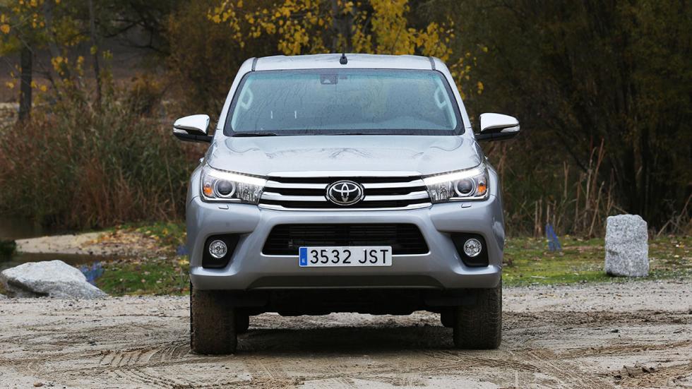 Toyota Hilux 2.4 D Cabina Doble morro