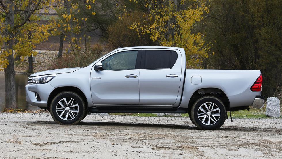 Toyota Hilux 2.4 D Cabina Doble perfil