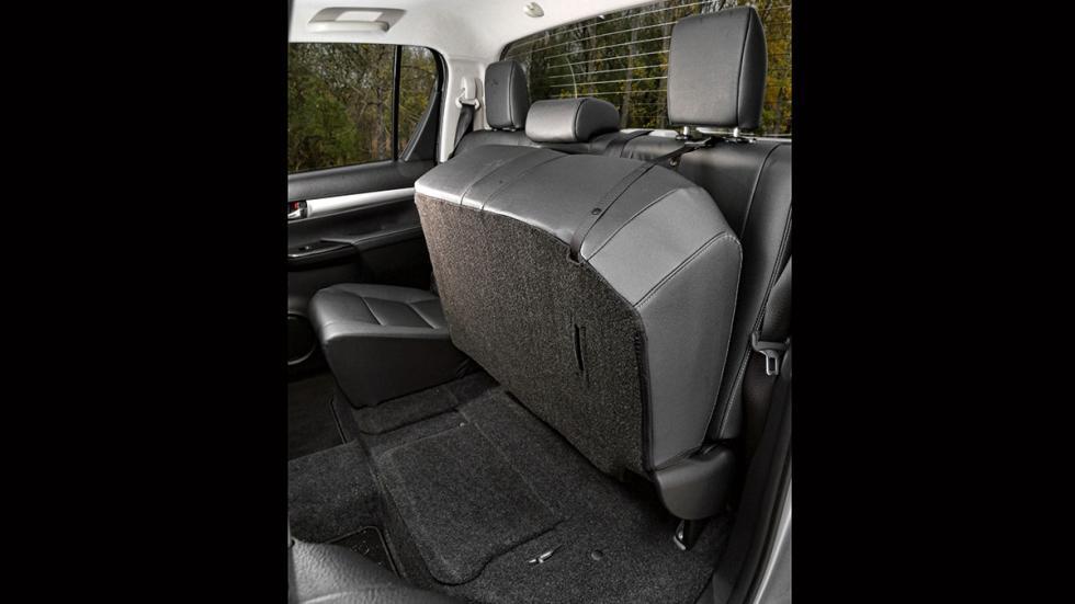 Toyota Hilux 2.4 D Cabina Doble asientos traseros