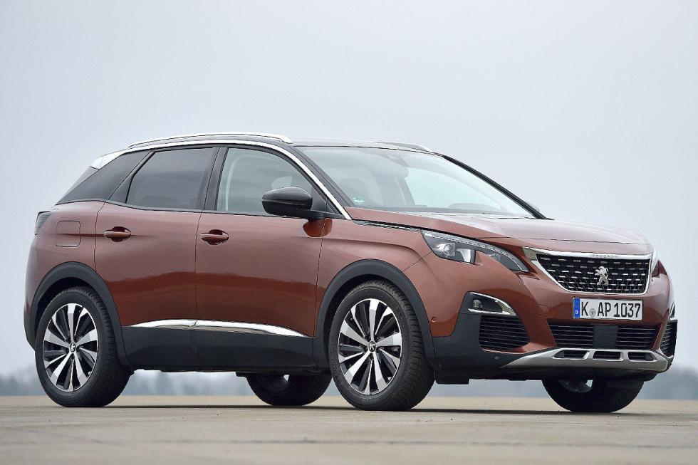 SUV medios: gana el Peugeot 3008, sencillamente, porque Opel no tiene un modelo