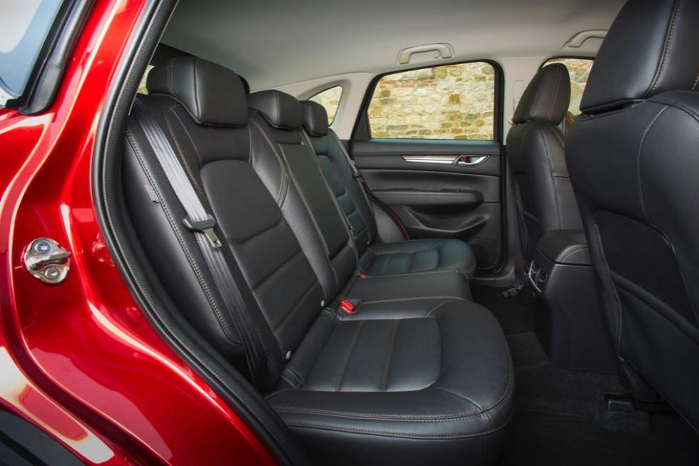 Mazda CX-5 2017 asientos traseros