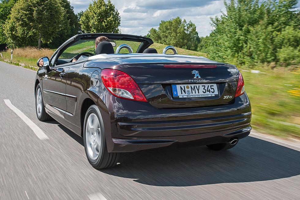 Peugeot 207 CC. En el apartado de medio ambiente de TÜV, siempre saca la peor no
