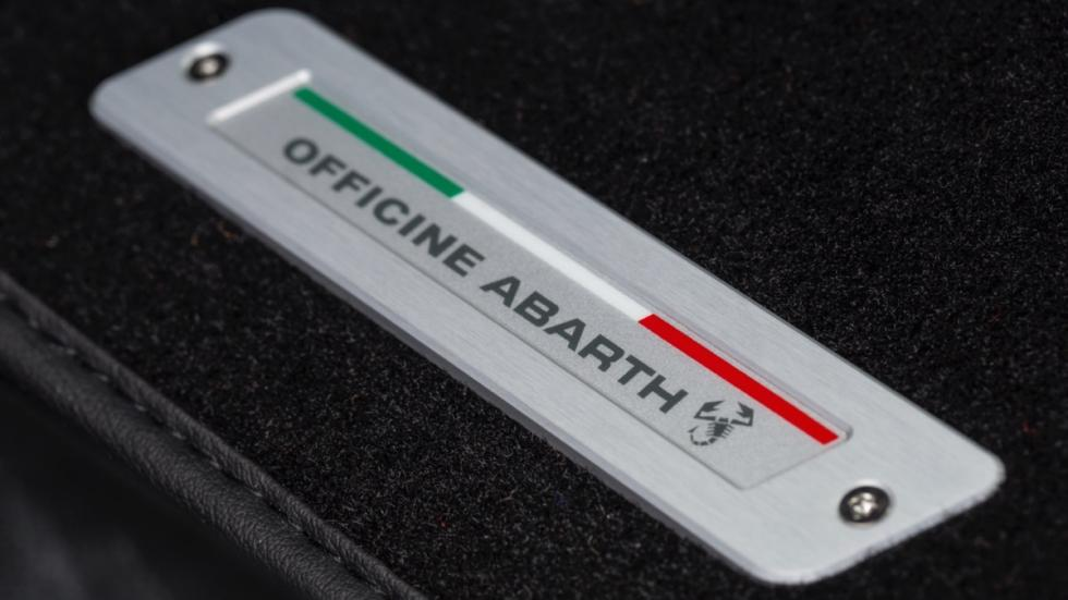 Prueba-Abarth-695-XSR-Yamaha-interior-Officine