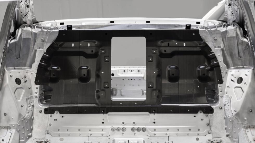 Panel de fibra de carbono tras los asientos posteriores del A8 2017