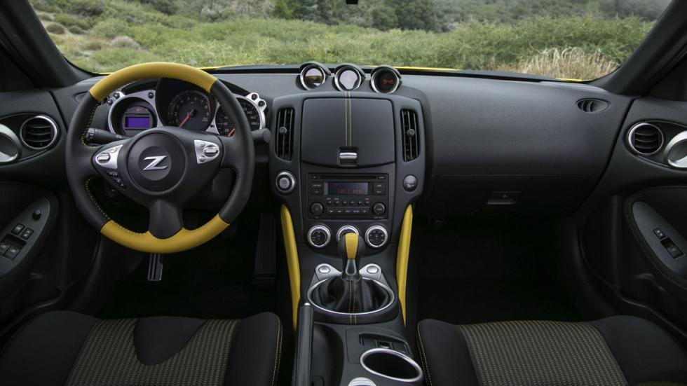 Nissan 370Z Heritage Edition habitáculo