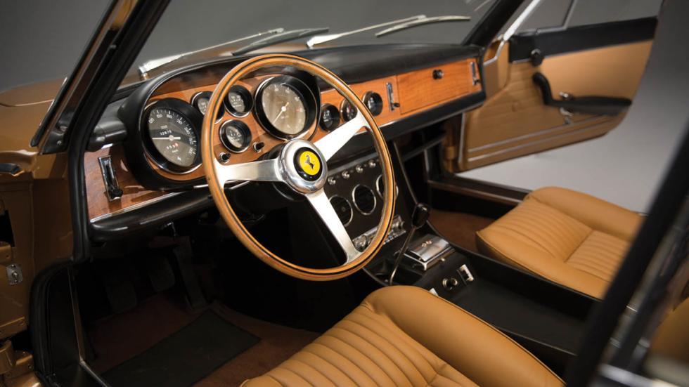 subasta Ferrari 330 GTC 1966 interior