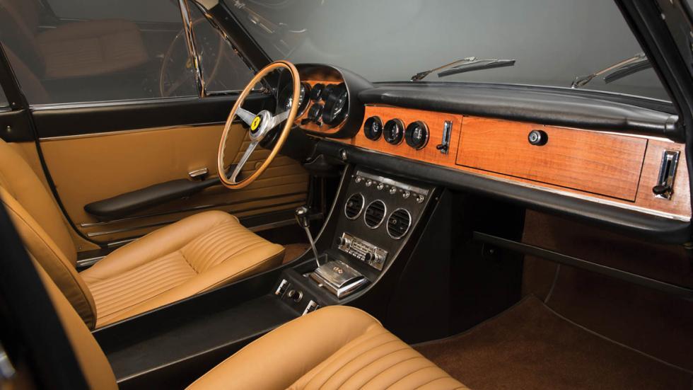 subasta Ferrari 330 GTC 1966 habitáculo