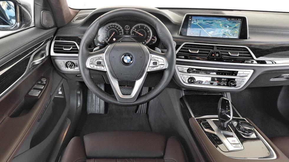 BMW 750d xDrive salpicadero