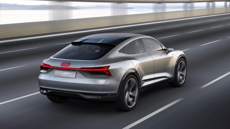 Audi e-tron Sportback concept movimiento trasera