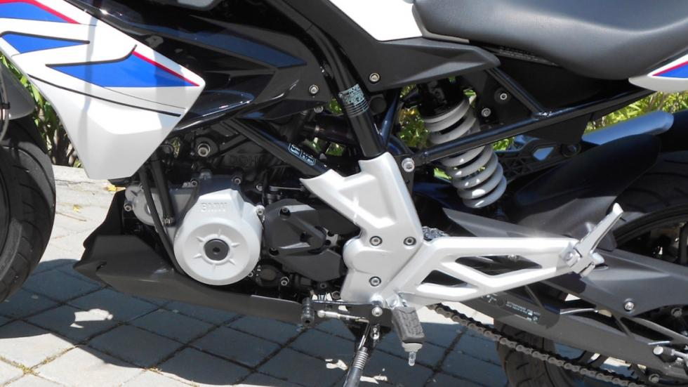 Prueba-BMW-G-310-R-BMW-chasis-motor