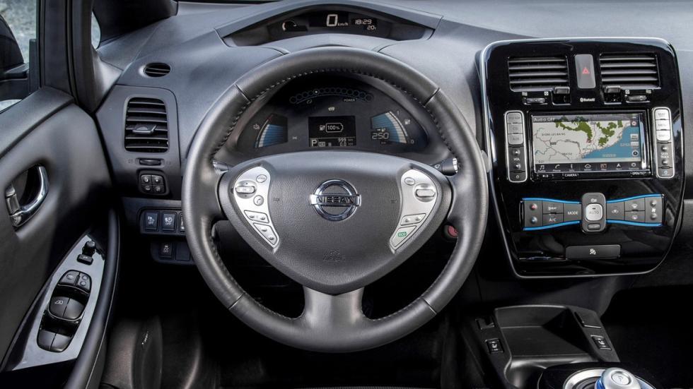 coches-eléctricos-2017-interesantes-nissan-leaf-interior