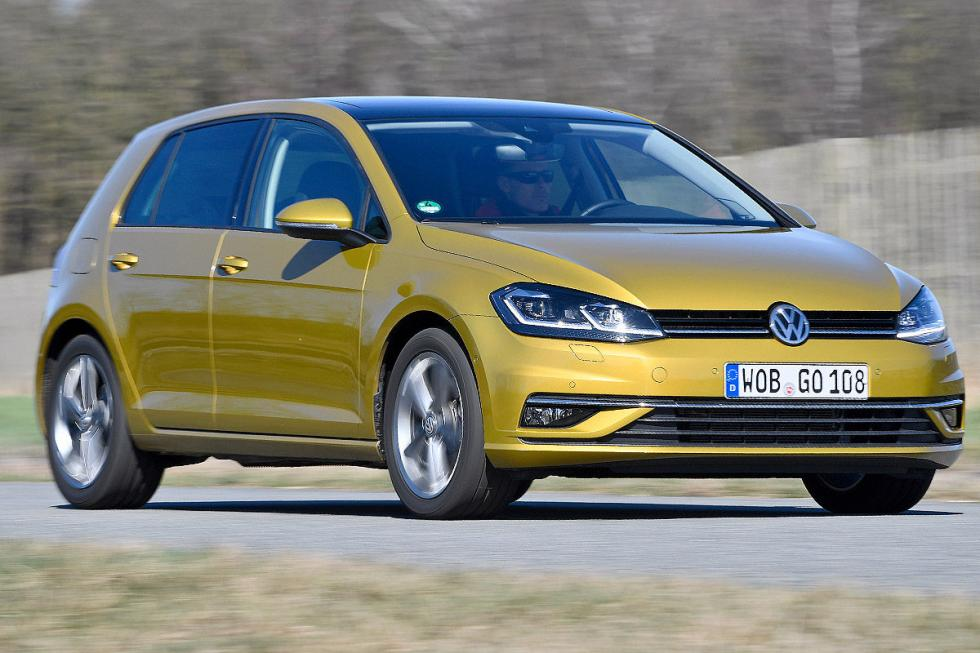 Comparativa: Volkswagen Golf 7 (2017) vs rivales