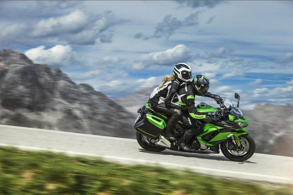 Kawasaki-Z1000-SX-2017-5