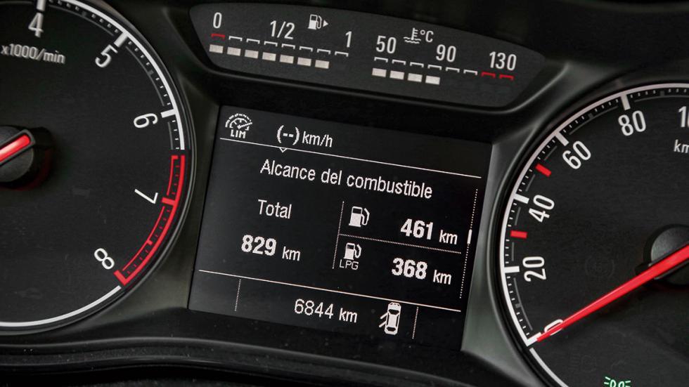 Opel Corsa GLP cuadro mandos