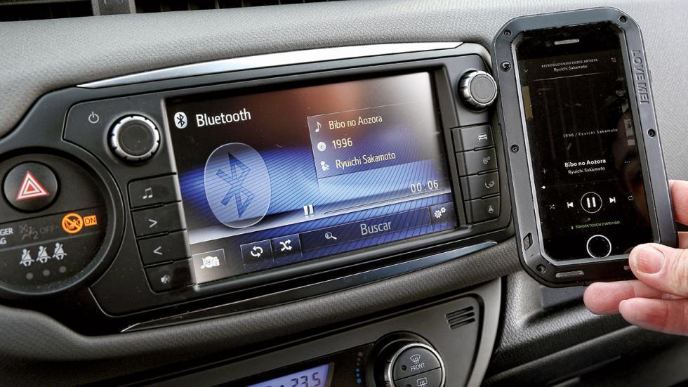 Toyota Yaris Hybrid conectividad