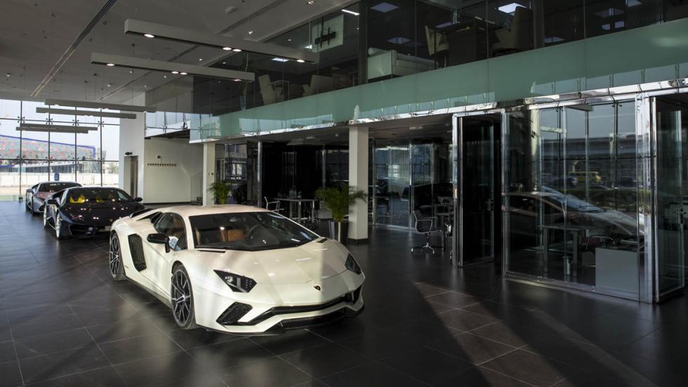 Concesionario Lamborghini Dubai exposición 2
