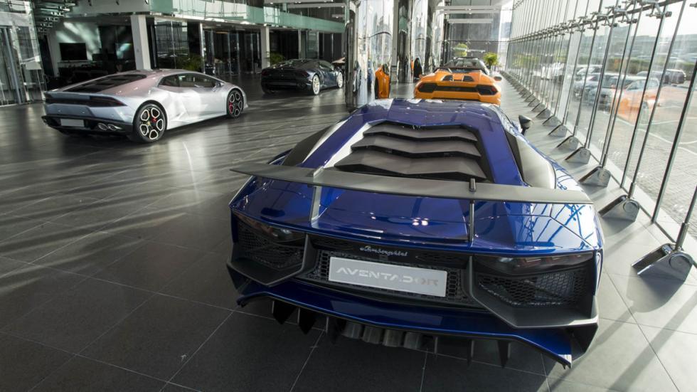 Concesionario Lamborghini Dubai exposición 3