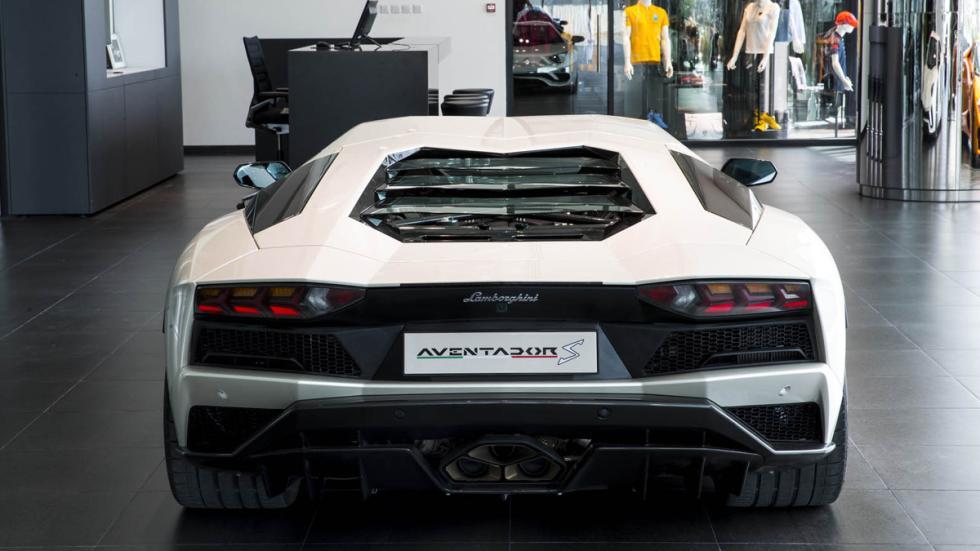 Concesionario Lamborghini Dubai exposición 5