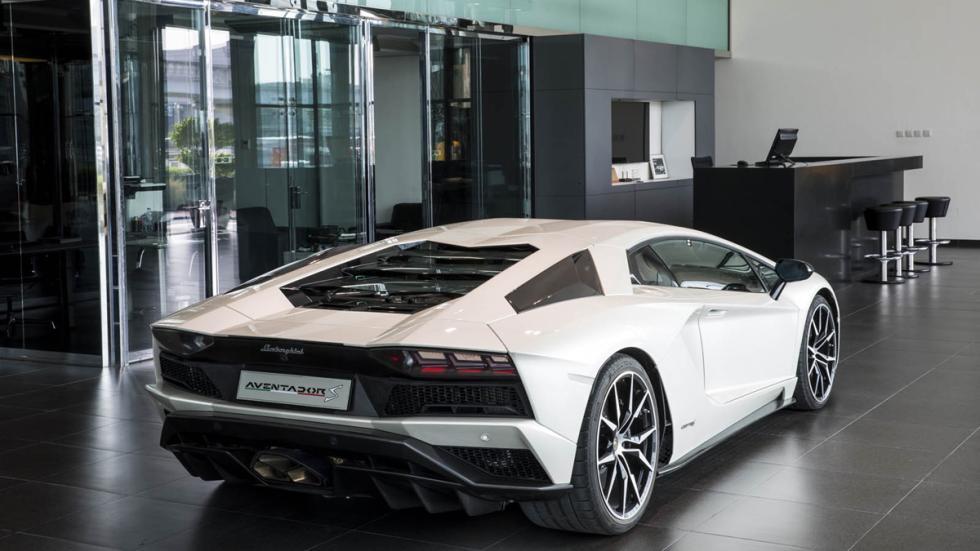 Concesionario Lamborghini Dubai exposición 6