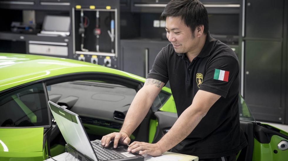 Concesionario Lamborghini Dubai taller 4