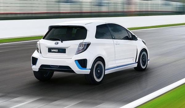 Toyota Yaris Hybrid-R Concept trasera