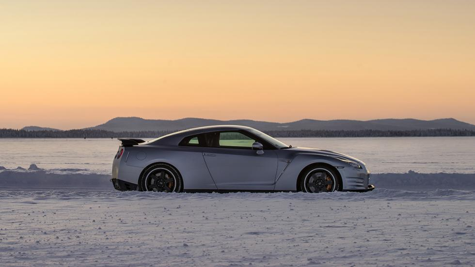Nissan GTR Hielo lateral 2